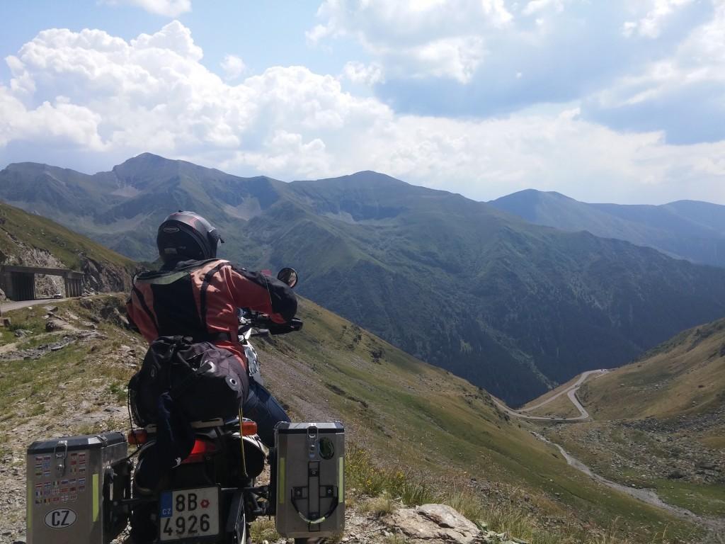 Transfagarsan z druhe strany na motorce