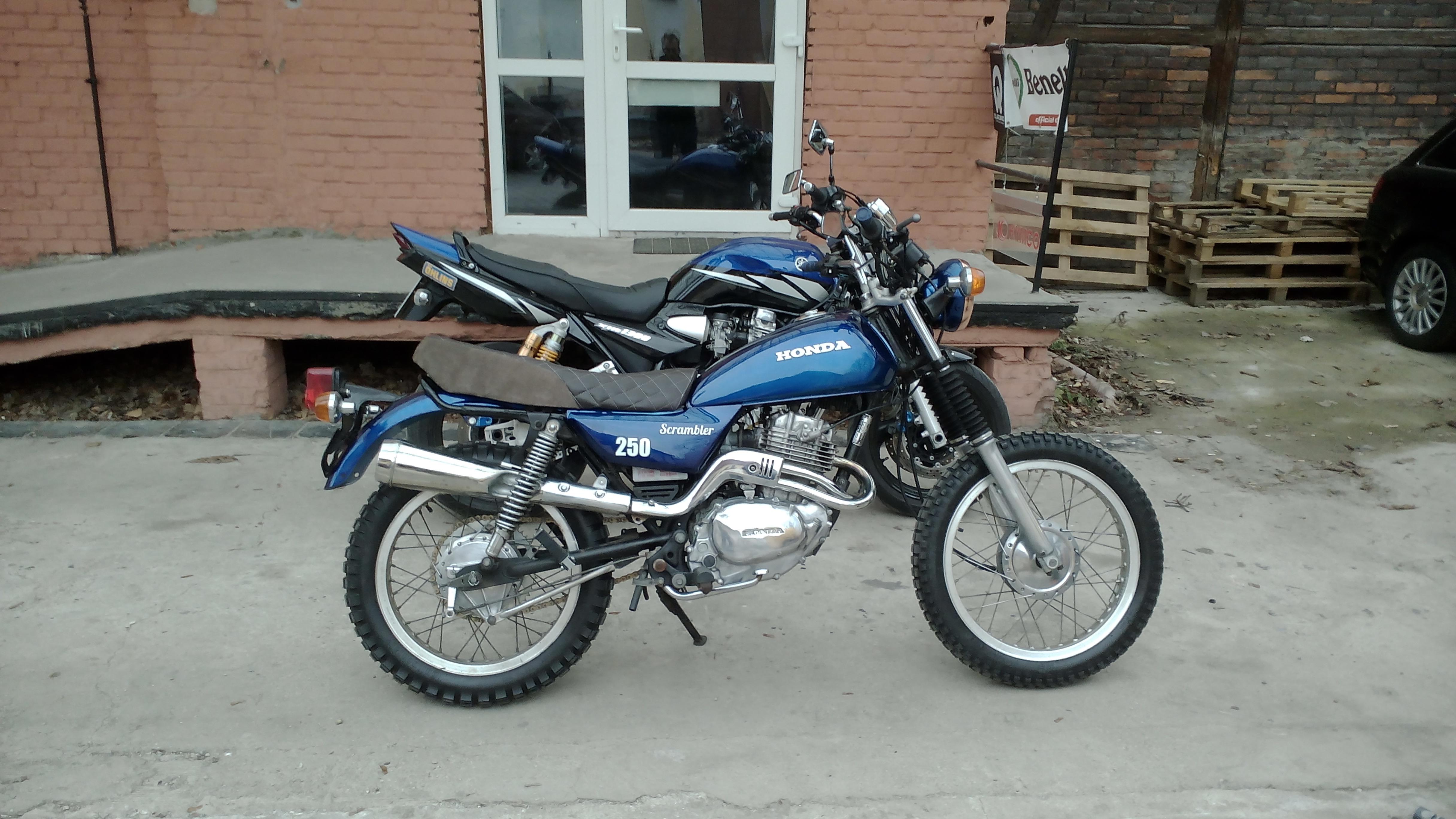 Honda Scrambler 250 & Yamaha XJR 1300