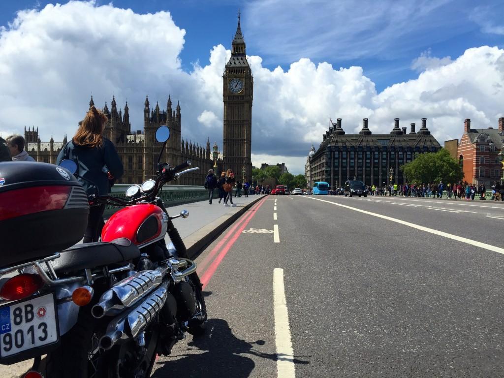 Cafe Racer v Londýně