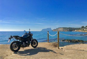 Yamaha XSR 900 u moře