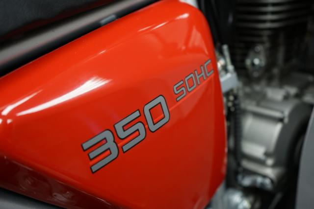 Jawa 350 OHC Special - pohled na boční kaslík
