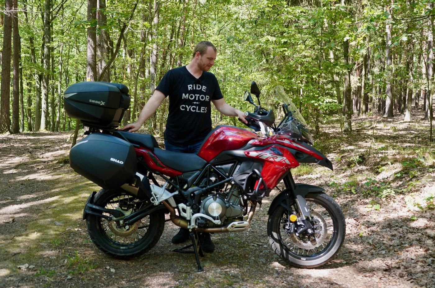 Benelli TRK502X v lese