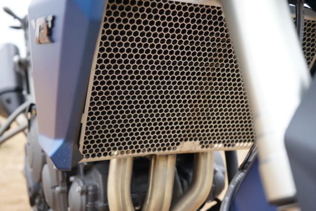 Kvalitní železná ochrana vodního chladiče - enduro Triumph Tiger 800