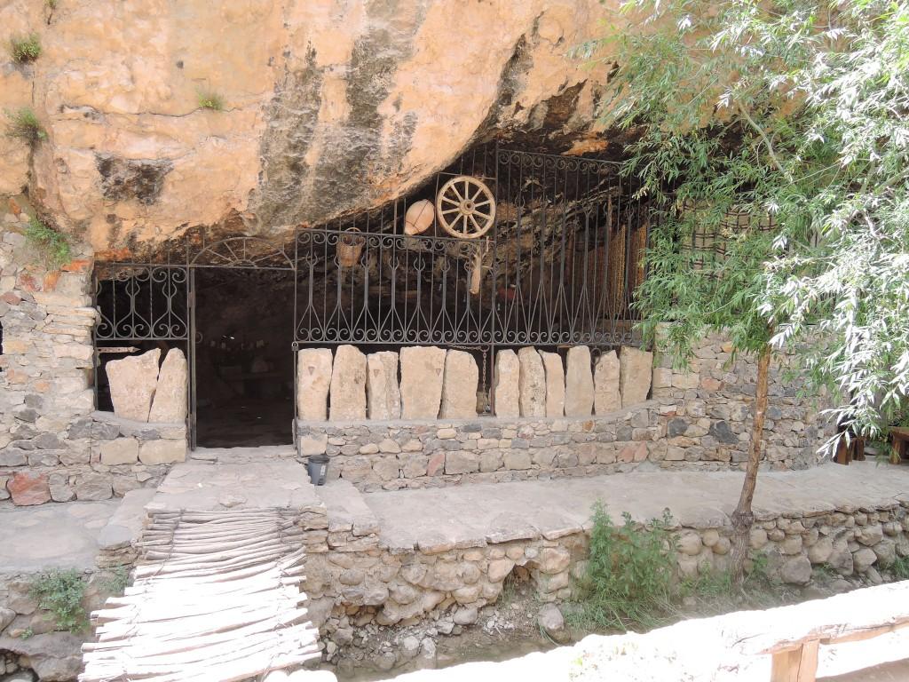 Skalní restaurace v Arménii