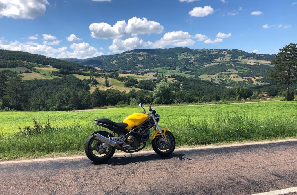 Ducati Monster 900 v Itálii