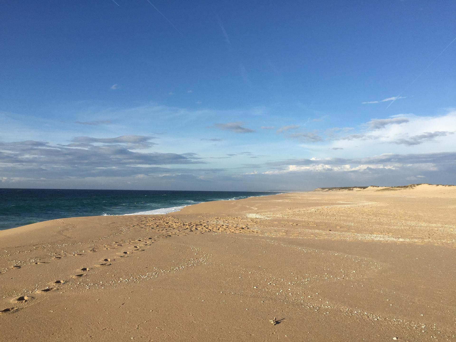 Prázdné portugalské pláže v listopadu