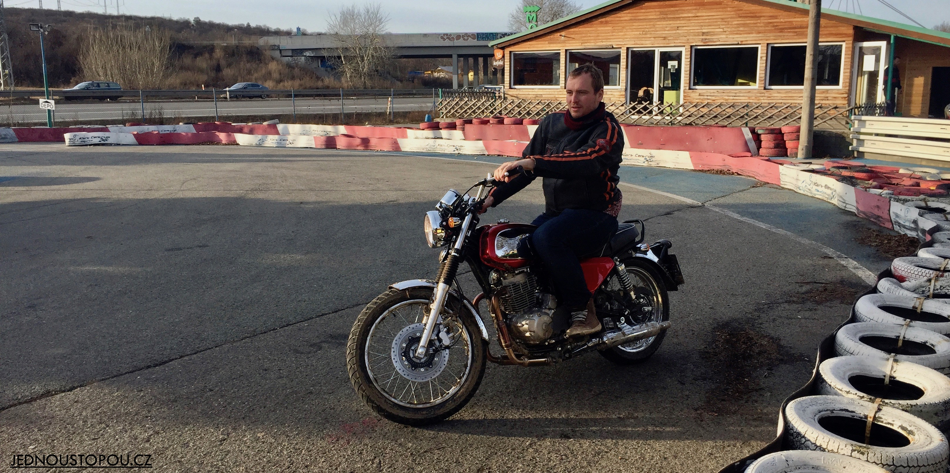Jawa 350 OHC na motokrosové trati